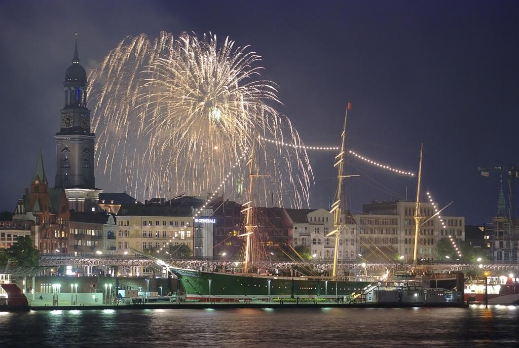 Silvester am Hafen – Luxuriös oder Traditionell?