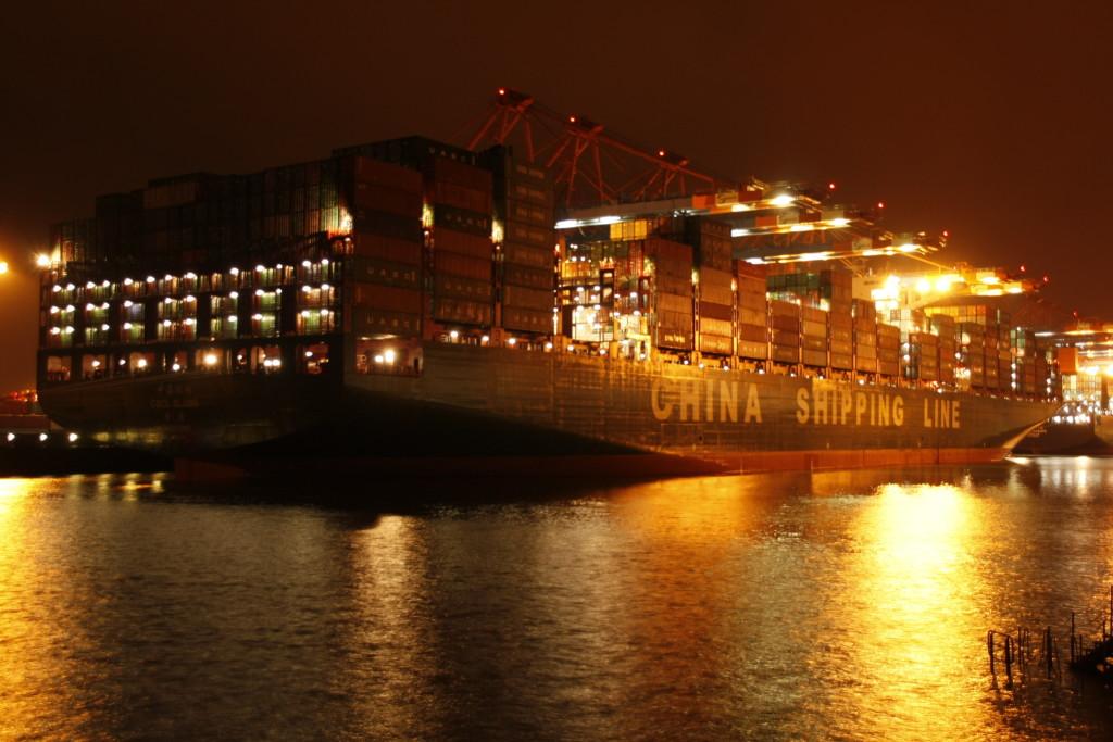 CSCL GLOBE – Ein Gigant in Hamburg