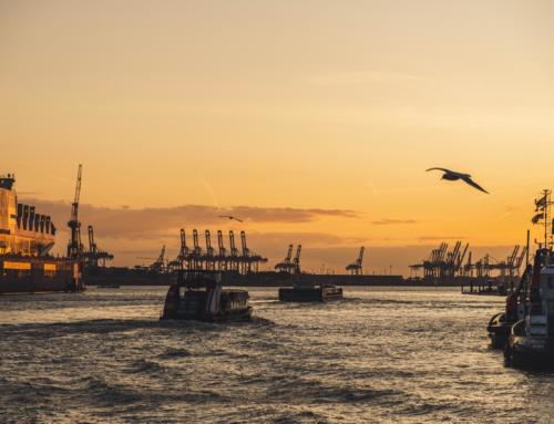 Ein frohes und glückliches Jahr 2021 aus dem Hamburger Hafen!